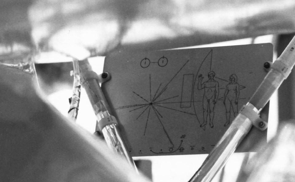 パイオニア10号に搭載された宇宙人への「お手紙」